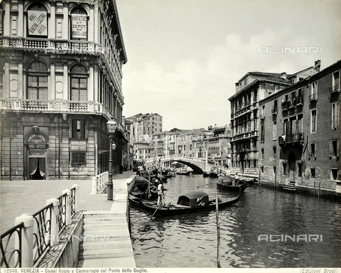 BGA-F-012348-0000 - Canal regio or Cannaregio with the Ponte delle Guglie