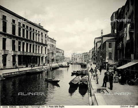 BGA-F-012349-0000 - View of Cannaregio from the Guglie Bridge in Venice.
