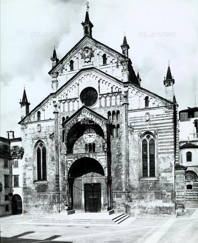 BGA-F-013157-0000 - Cathedral (S.Maria Matricolare), Verona.