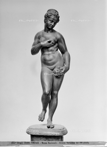 BGA-F-013280-0000 - Venus of the Medici, bronzetto, Willem Danielsz van Tetrode, called William Fleming (before 1530-post 1587), Museo Nazionale del Bargello (on deposit in the Uffizi since 1970) - Date of photography: 1915-1920 ca. - Alinari Archives-Brogi Archive, Florence