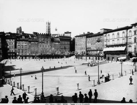 BGA-F-013421-0000 - Piazza del Campo in Siena