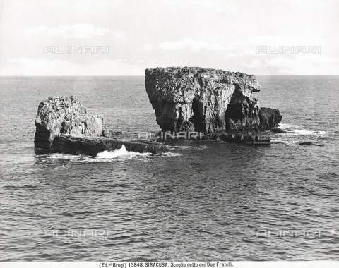 "BGA-F-013848-0000 - View of the rocks near Syracuse, known as ""Scogli dei Due Fratelli"" (rocks of the two brothers)"