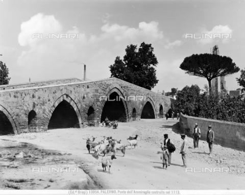 BGA-F-013954-0000 - The Admiral Bridge in Palermo - Date of photography: 1915-1920 ca. - Alinari Archives-Brogi Archive, Florence