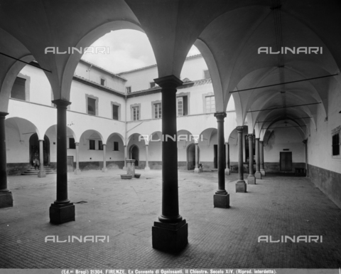 BGA-F-021304-0000 - Large cloister of the Convent of the Church of Ognissanti, Florence - Date of photography: 1920-1930 ca. - Alinari Archives-Brogi Archive, Florence