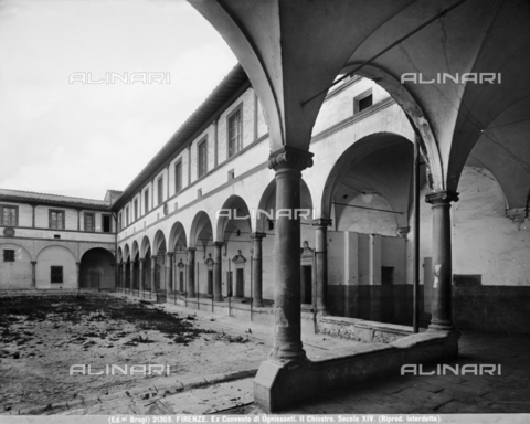 BGA-F-021305-0000 - Large cloister of the Convent of the Church of Ognissanti, Florence - Date of photography: 1920-1930 ca. - Alinari Archives-Brogi Archive, Florence