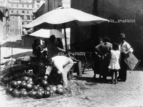 BGA-F-023065-0000 - Fruit and vegetable vendors on a street in Rome.
