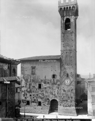 BGA-F-023140-0000 - The Palazzo dei Vicari (known as Palazzo Pretorio), Scarperia - Date of photography: 1920-1930 ca. - Alinari Archives-Brogi Archive, Florence