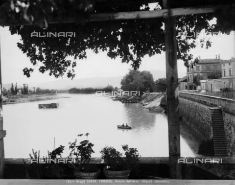 BGA-F-023609-0000 - Veduta del fiume Arno, Firenze - Data dello scatto: 1920-1930 ca. - Archivi Alinari-archivio Brogi, Firenze