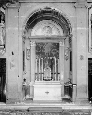 BGA-F-026157-0000 - The first chapel on the left side with the painting by Jacopo Ligozzi inside the church of San Giovannino degli Scolopi in via Martelli at the corner with via Gori in Florence - Date of photography: 1938 - Alinari Archives-Brogi Archive, Florence