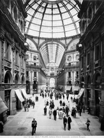 BGA-F-03837A-0000 - Galleria Vittorio Emmanuele II, Milan