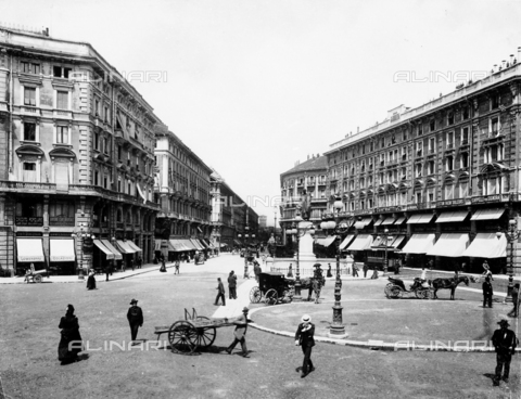 BGA-F-09975A-0000 - View of the Via Dante (Dante Street) in Milan