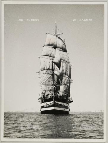 """BMD-A-000001-0004 - Regia Nave Scuola """"Amerigo Vespucci"""" - Data dello scatto: 1938 ca. - Raccolte Museali Fratelli Alinari (RMFA)-donazione Miniati, Firenze"""