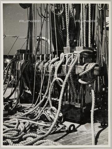 """BMD-A-000001-0027 - Regia Nave Scuola """"Amerigo Vespucci"""": cime - Data dello scatto: 1938 ca. - Raccolte Museali Fratelli Alinari (RMFA)-donazione Miniati, Firenze"""