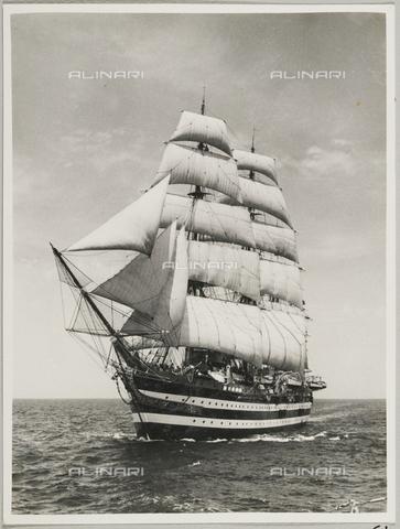 """BMD-A-000001-0061 - Regia Nave Scuola """"Amerigo Vespucci"""" - Data dello scatto: 1938 ca. - Raccolte Museali Fratelli Alinari (RMFA)-donazione Miniati, Firenze"""