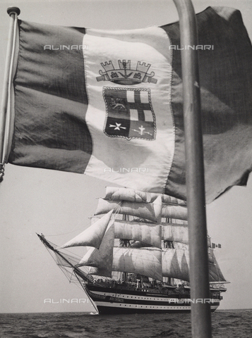 """BMD-A-000001-0070 - Regia Nave Scuola """"Amerigo Vespucci"""" - Data dello scatto: 1938 ca. - Raccolte Museali Fratelli Alinari (RMFA)-donazione Miniati, Firenze"""