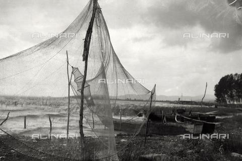 BMD-F-000234-0000 - Veduta del lago Trasimeno - Data dello scatto: 1910 ca. - Raccolte Museali Fratelli Alinari (RMFA)-donazione Miniati, Firenze