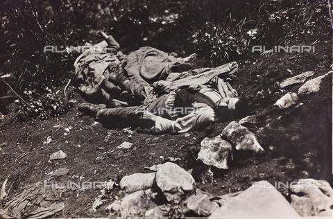 BMD-F-001028-0000 - Prima Guerra Mondiale: cadaveri di civili - Data dello scatto: 1915-1918 - Raccolte Museali Fratelli Alinari (RMFA)-donazione Miniati, Firenze