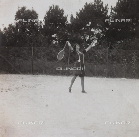 "BPD-A-000250-0073 - Album ""Campaign 1915-1916-1917-1918 war, Lieutenant Jack Bosio"" tennis match in Forte dei Marmi, Versilia"