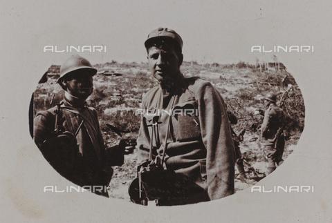 """BPD-A-000250-0506 - Album """"Campagna di guerra 1915-1916-1917-1918, tenente Jack Bosio"""": prigioniero austriaco - Data dello scatto: 26/05/1917 - Archivi Alinari, Firenze"""