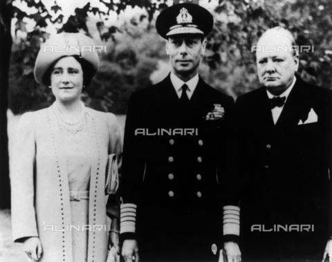 BPK-S-AA3000-1623 - La Regina Elisabetta d'Inghilterra, Re Giorgio VI e il Primo Ministro Winston Churchill a Berlino - Data dello scatto: 16/09/1940 - BPK/Archivi Alinari