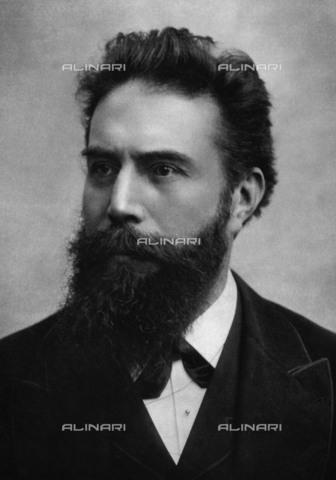 BPK-S-AA7000-1629 - Il fisico tedesco Wilhelm Conrad Rà¶ntgen (1845-1923) - Data dello scatto: 1882 ca. - BPK/Archivi Alinari