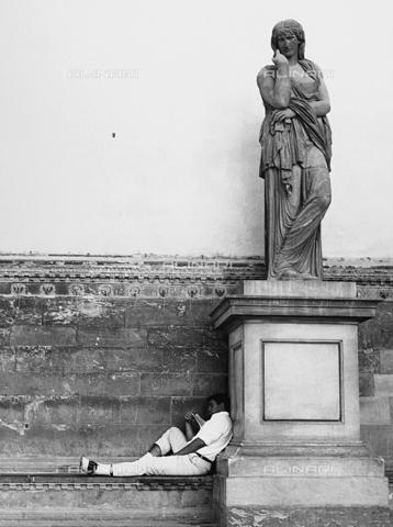 BVA-F-000039-0000 - Statue of a woman, Loggia Lei Lanzi, Florence