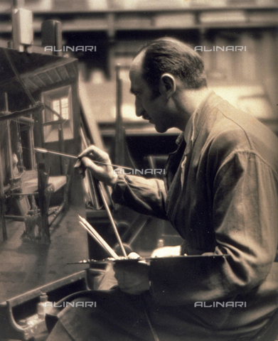 BVA-F-000094-0000 - Portrait of the painter Guido Spadolini at work - Date of photography: 1930 ca. - Alinari Archives-Balocchi archive, Florence