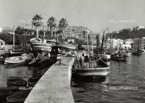BVA-F-001074-0000 - The port of Terracina - Date of photography: 1955-1965 - Fratelli Alinari Museum Collections-Balocchi Archive, Florence