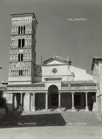 BVA-F-001100-0000 - The cathedral of Terracina - Date of photography: 1955-1965 - Fratelli Alinari Museum Collections-Balocchi Archive, Florence