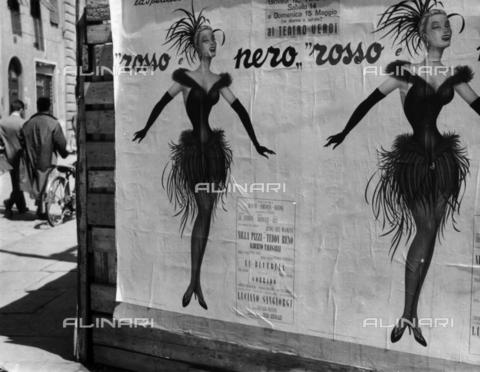 """BVA-F-002398-0000 - Manifesti dello spettacolo teatrale """"Rosso e nero"""" - Data dello scatto: 1950 ca. - Archivi Alinari, Firenze"""