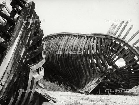 BVA-F-002709-0000 - Boat keels, Molfetta