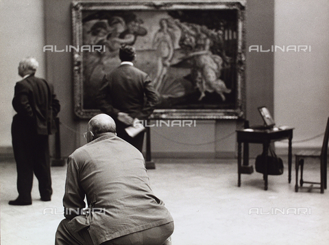 BVA-F-003855-0000 - Visitors at the Gallery of Uffizi