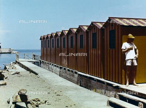 BVA-F-003971-0000 - 'Cabine rosse' - Data dello scatto: 1950-1959 - Archivi Alinari, Firenze