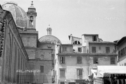 BVA-S-050014-0303 - Buildings near the Basilica of San Lorenzo in Florence before their demolition - Date of photography: 1938 - Fratelli Alinari Museum Collections-Balocchi Archive, Florence