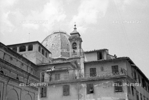 BVA-S-050014-0304 - Buildings near the Basilica of San Lorenzo in Florence before their demolition - Date of photography: 1938 - Fratelli Alinari Museum Collections-Balocchi Archive, Florence