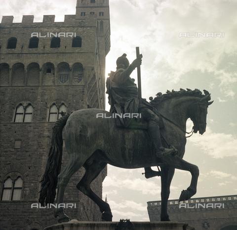 BVA-S-C10028-0007 - Equestrian monument to Cosimo I, Piazza della Signoria, Florence