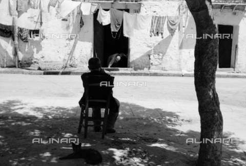 BVA-S-S10009-0014 - Daily life in Palermo: laundry - Date of photography: 1960-1961 - Fratelli Alinari Museum Collections-Balocchi Archive, Florence