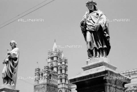 BVA-S-S10010-0016 - View of the bell towers of the Cathedral of Santa Vergine Maria Assunta in Palermo - Date of photography: 1960-1961 - Fratelli Alinari Museum Collections-Balocchi Archive, Florence