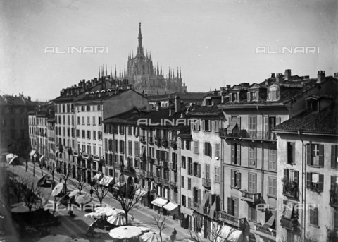 CAD-S-250006-0009 - Animated view of via Verziere in Milan, with the Cathedral in the background