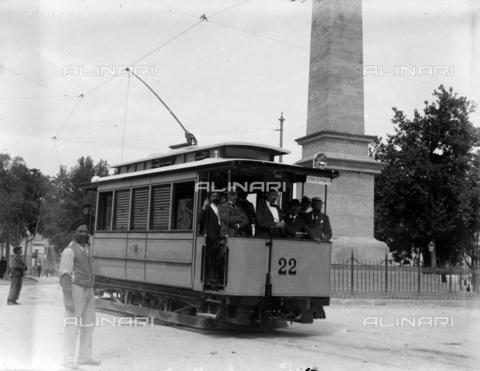 CAD-S-420001-0007 - A new electric tram installed in Palermo - Data dello scatto: 01/08/1899-31/10/1899 - Archivi Alinari, Firenze