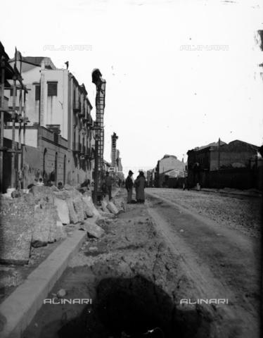 CAD-S-420002-0012 - Installation works of the electric line for the tram, Palermo - Data dello scatto: 01/08/1899-31/10/1899 - Archivi Alinari, Firenze