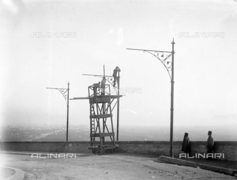 CAD-S-420002-0013 - Installation of electric poles for the new tram line in Palermo - Data dello scatto: 01/08/1899-31/10/1899 - Archivi Alinari, Firenze