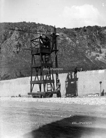 CAD-S-420002-0015 - Installation of electric poles for the new tram line in Palermo - Data dello scatto: 01/08/1899-31/10/1899 - Archivi Alinari, Firenze