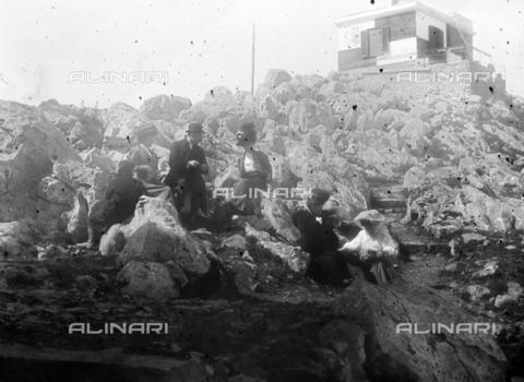 CAD-S-420003-0010 - Trip on Mount Pellegrino, Palermo - Data dello scatto: 1899-1905 - Archivi Alinari, Firenze