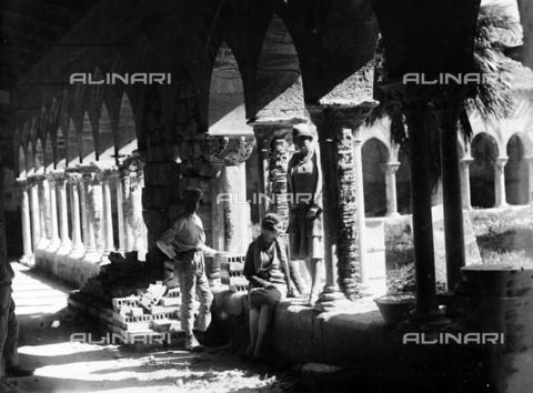 CAD-S-420004-0007 - The cloister of the Cathedral of Cefalù - Data dello scatto: 06/11/1928 - Archivi Alinari, Firenze