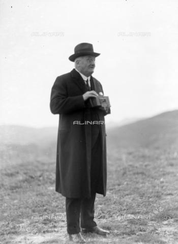 CAD-S-420006-0012 - Male portrait in Segesta - Data dello scatto: 09-15/11/1929 - Archivi Alinari, Firenze