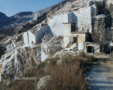 CAL-F-005413-0000 - Colonnata (Carrara). Cave di marmo - Data dello scatto: 1990 - Archivi Alinari, Firenze