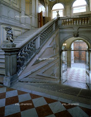 CAL-F-008297-0000 - Veduta dal pianerottolo dello scalone di Ca' Rezzonico a Venezia - Data dello scatto: 1998 - Archivi Alinari, Firenze