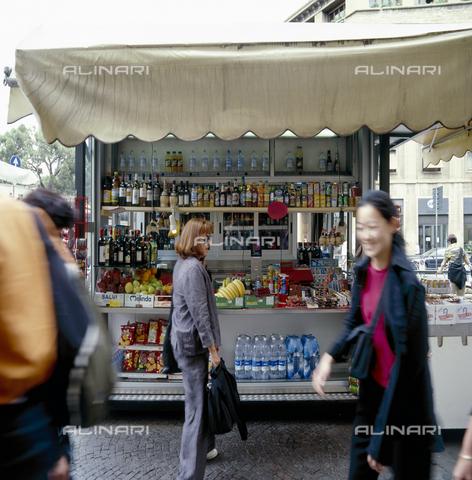 CAL-F-010596-0000 - Barroccino all'angolo di via Nazionale a Firenze - Data dello scatto: 2002 - Archivi Alinari, Firenze