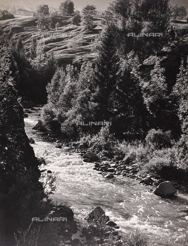 CGD-F-000021-0000 - Mountain landscape with creek - Date of photography: 1948 - Fratelli Alinari Museum Collections-Corinaldi Donation, Florence